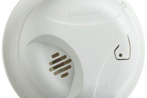 First Alert SA305CN Smoke Alarm with Long Life Lithium Battery