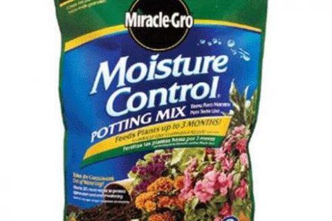 Miracle-Gro Moisture Control Potting Mix, 16-Quart 0.53-Cubic Feet